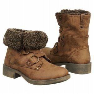 Roxy Cambridge Boots